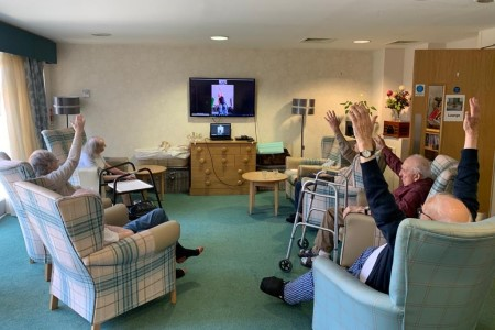 Vida stretching class draws positive results for dementia residents